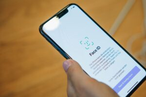 How-to-Lock-WhatsApp-Telegram-Signal-with-iPhone-Face-ID